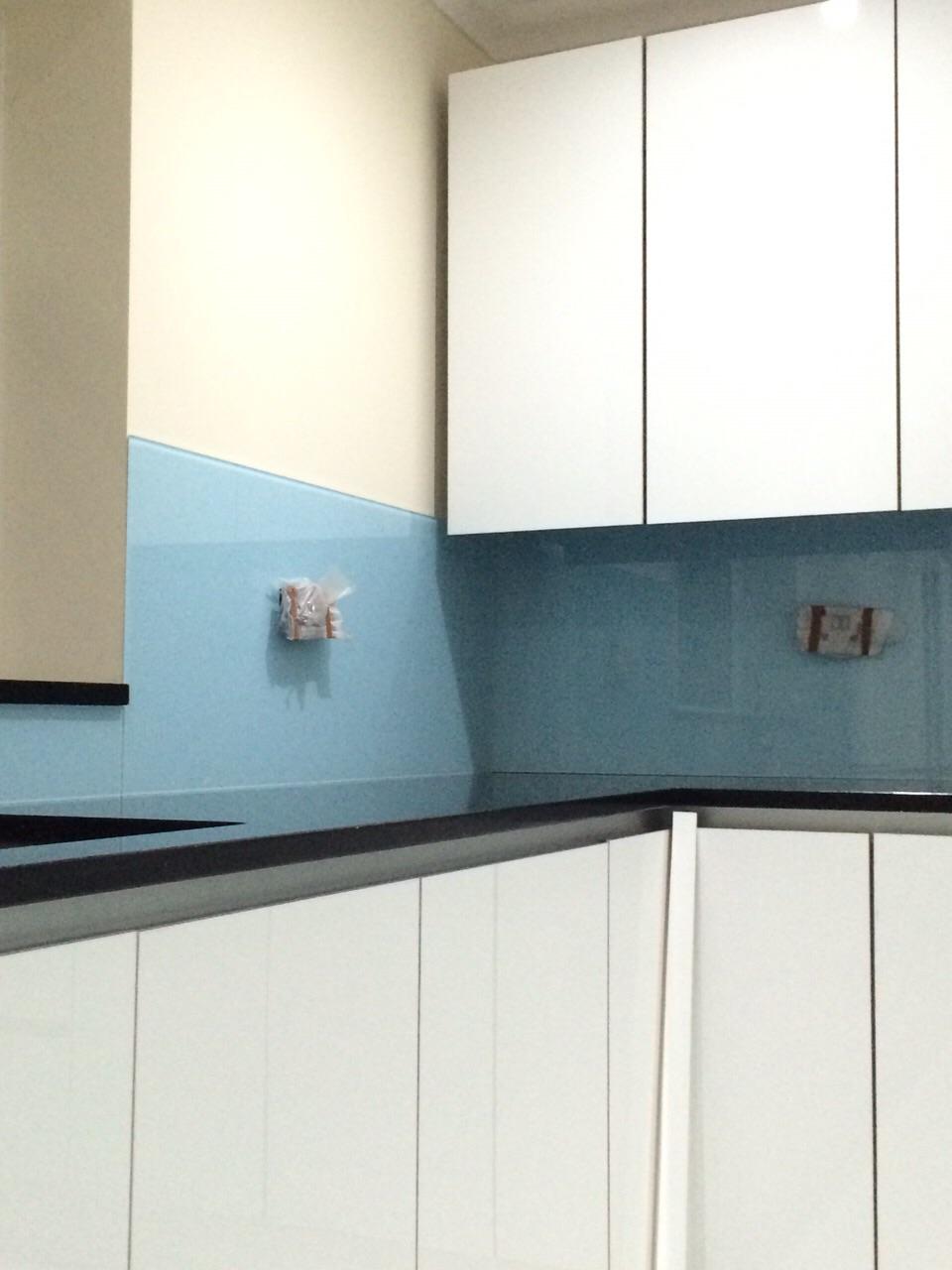 Glass Splashbacks Kitchen & Bathroom | CardiffStone